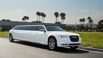 2017 Chrysler 300 Limo